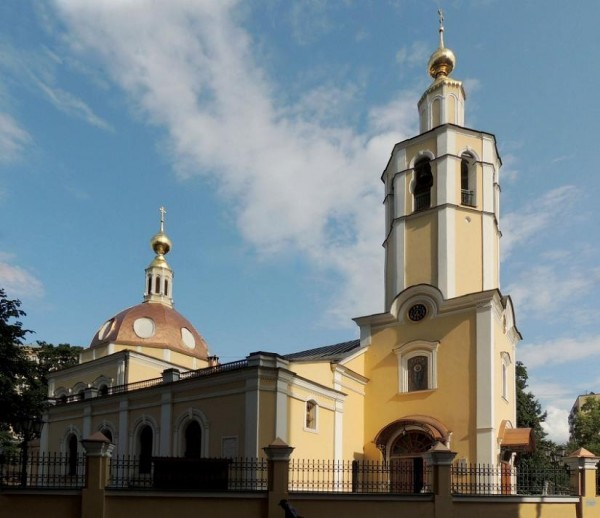 Церковь Всех Святых во Всехсвятском на Соколе, Москва. В этом храм я, недостойный раб Божий Дмитрий принял Святое Крещение