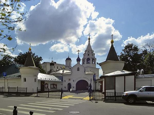 Храм великомученика Никиты на Швивой горке за Яузой,Подворье Афонского Свято-Пантелеимонова монастыря в Москве
