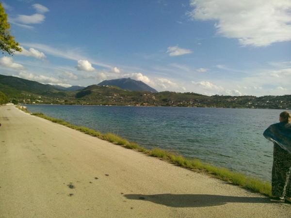 лутраки озеро справа