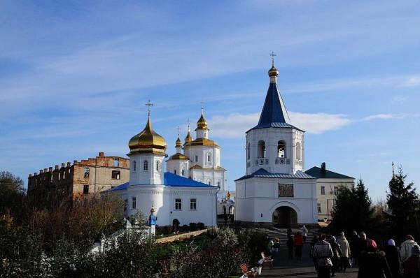 Рождества Богородицы Глинская пустынь, мужской монастырь (ставропигиальный) ,Украина, восстанавливается