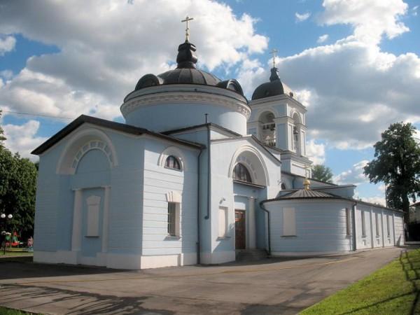 Церковь Петра и Павла в Петровском-Лобанове - Химки