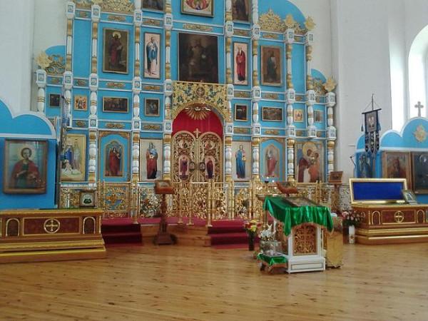 суворово храм внутри
