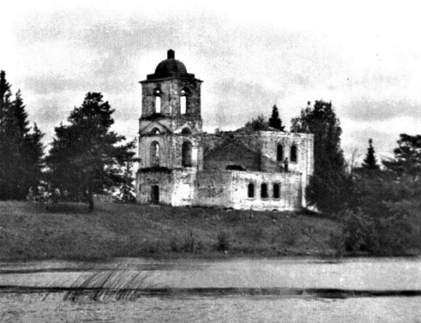 Междуозерская Богородицерожденственская церковь, фото 1970-1980 годов