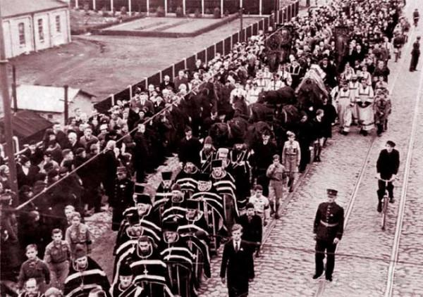 Траурная процессия в Риге 21 октября 1934 г