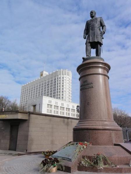 Памятник Столыпину в Москве