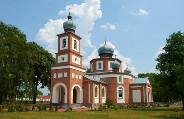 храм Святой Живоначальной Троицы в городе Лельчицы