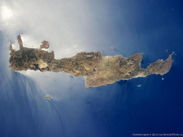 остров Крит со спутника