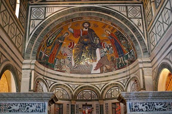Церковь Санта Миньято аль Монте, Флоренция, Итария. Мозаика изображает св. Миниата справа от Христа, держащим корону Надпись гласит S. MINIATUS REX ERMINIE