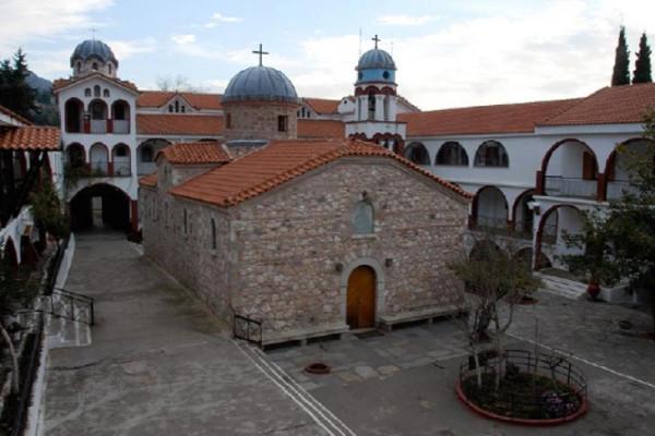 Монастырь преподобного Давида Эвбейского. Внутренний двор, Эвбея, Греция