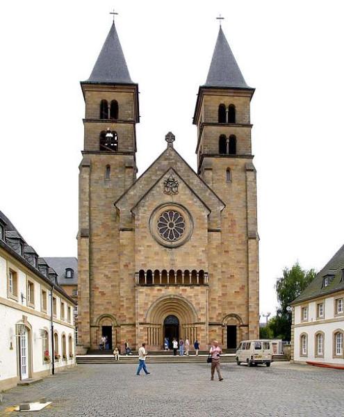 Базилика Святого Виллиброра – символ города  Эхтернах, тут покоятся мощи святого