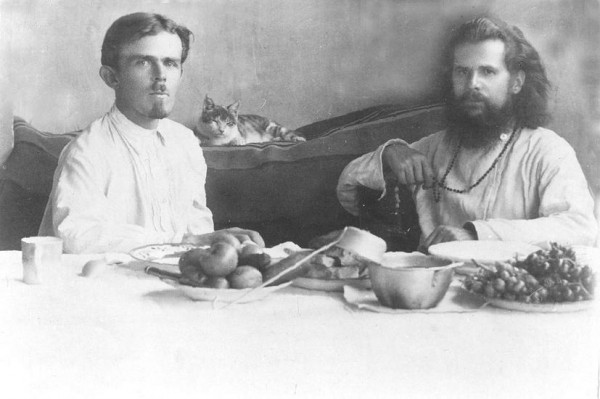 Иподиакон Борис Семенов и епископ Августин (Беляев). Педжикент