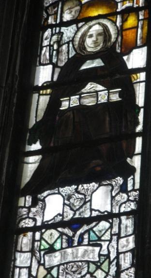 Преподобная Хильда (Hilda), игумения Уитбийская, витраж в соборе Gloucester Cathedral