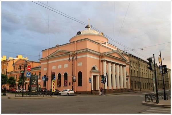 Санкт-Петербург храм в честь иконы Богородицы «Всех скорбящих Радосте» на ул. Шпалерной. Святая мученица Екатерина Петроградская была прихожанкой этого храма