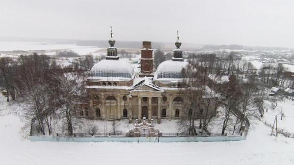 Храм в честь Казанской иконы Божией Матери в селе Ярополец, не действует