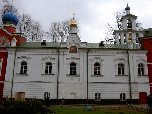Успенский Псково-Печерский монастырь. Церковь Сретения Пресвятой Богородицы