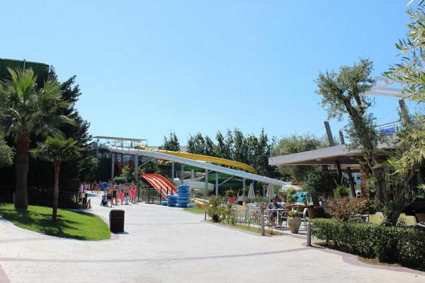 аквапарк внутри 1