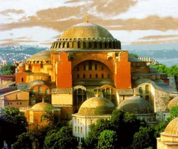 Именно так, без минаретов и пристроек должен был выглядеть собор Святой Софии в Константинополе во времена Византии