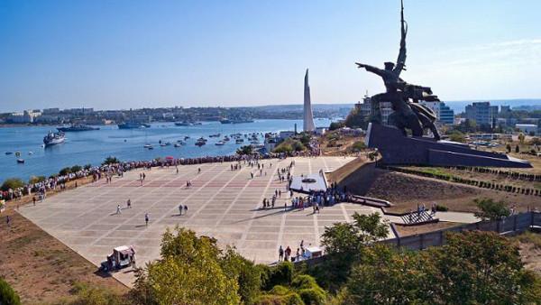 Севастополь сегодня памятник солдату и матросу