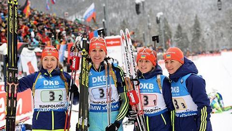 Украинки выиграли эстафету на КМ по биатлону