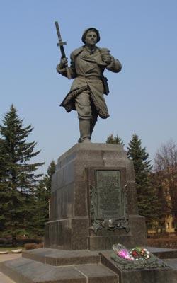 Памятник Александру Матросову в Великих Луках
