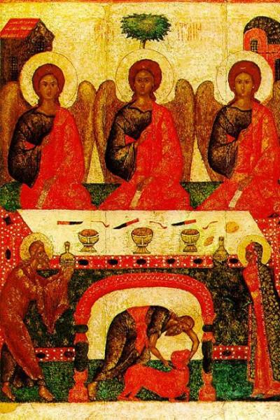 Ветхозаветная Троица - в традиционном изокефальном виде- три ангела в одинаковых одеждах - за трапезным столом, среди них невозможно выделить отдельные ипостаси Троицы, все три ангела равнозначны