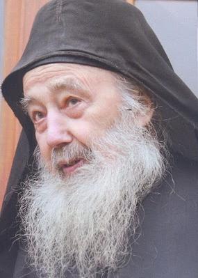 Петроний (Тэнасе) (1916 - 2011), иеросхимонах, настоятель румынского Иоанно-Предтеченского скита на Святой Горе Афон