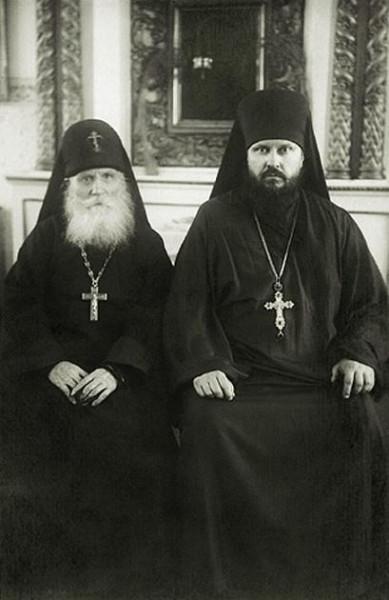 Архимандрит Пимен Извеков (будущий патриарх Пимен) и прп. Симеон Печорский (Желнин)