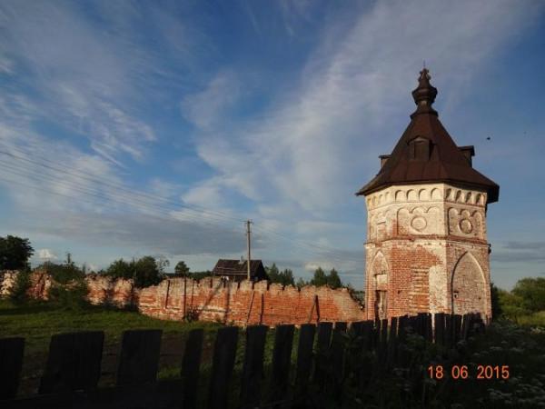 Владимирская Заоникиева пустынь - Лучниково - Вологодский район, современное состояние. Юго-восточная башня