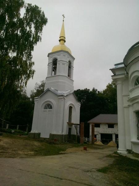 храм Телебукино октябрь 2014 колокольня новая