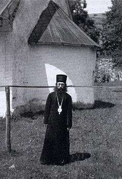 сщисп. Епископ Варнава (Настич) во время пребывания в Гомионице