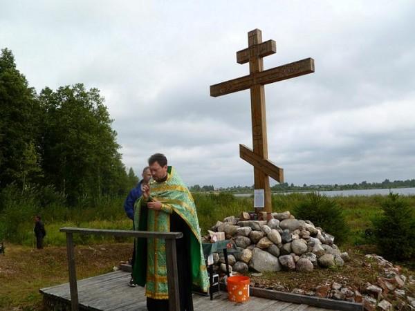 Поклонный крест на месте Марко-Белавинской пустыни