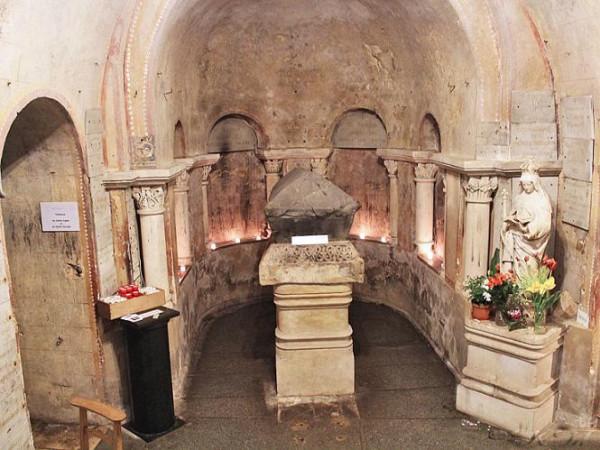 Преподобная Радегонда или Радегунда Тюрингская - могила святой в крипте