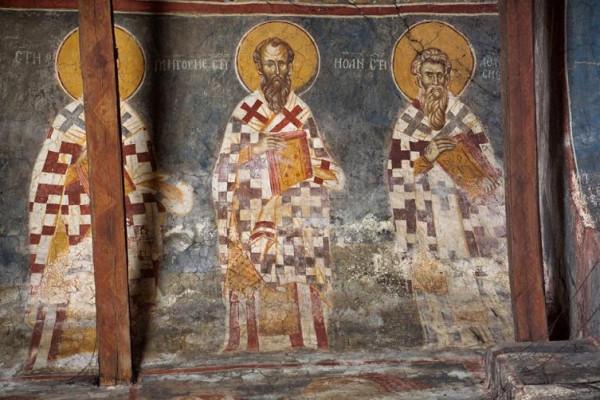 свтт. Иоанн и Афанасий патриархи Константинопольские, Сербия. Косово. Монастырь Высокие Дечаны. Алтарь, Жертвенник