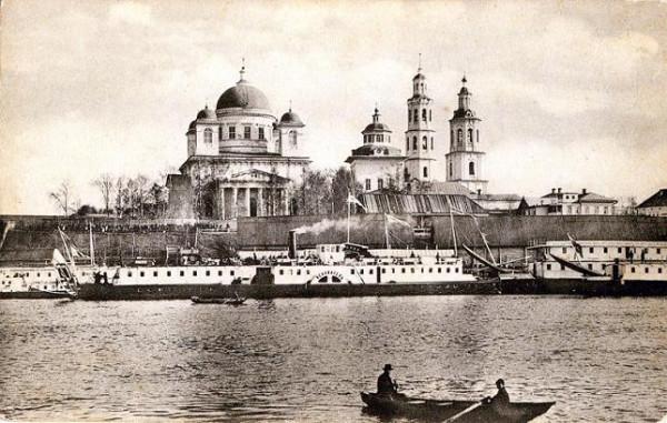 Слобода Кухарка, Троицкий собор и пристань