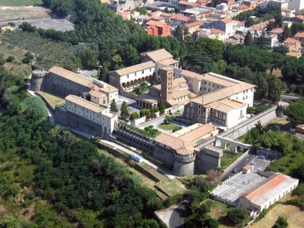 Санта-Мария-де-Гроттаферрата (итал. Santa Maria de Grottaferrata)