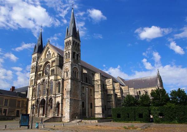 Базилика Святого Ремигия (фр. Basilique Saint-Remi)