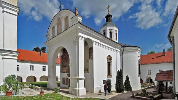 монастырь Крушедол, Сербия, усыпальница рода Бранковичей