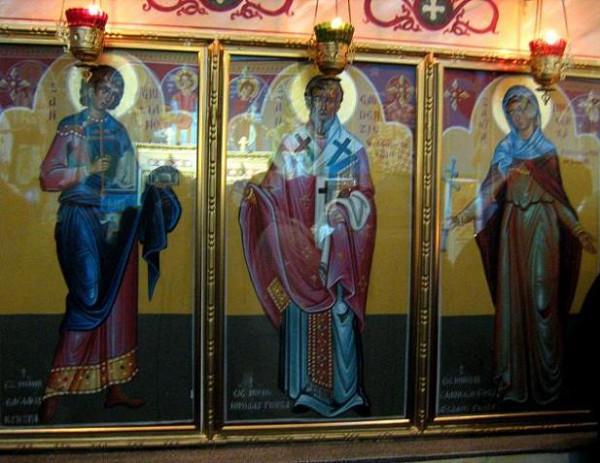 Римини, Италия, Введенский православный храм. Иконы свв. Иулиана, Гауденция Бриксийского и Иннокентии