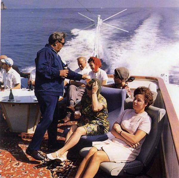 Крым. Во время прогулки на яхте. Автор Мусаэльян Владимир, 1973