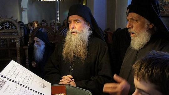 старец Фома из кельи Фомадов, скит Малая Анна -справа
