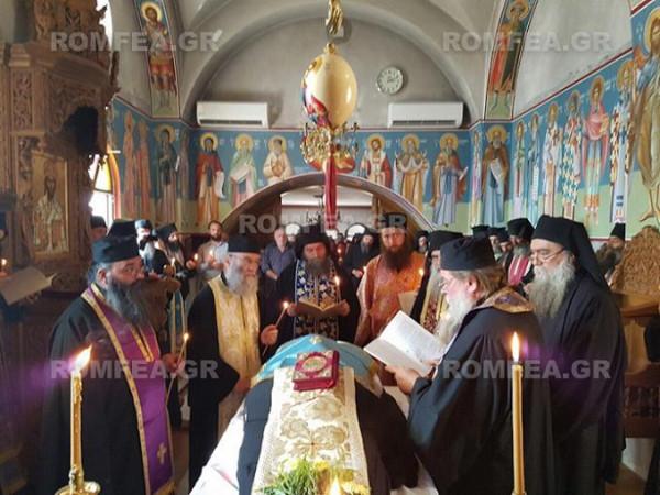 Отпевание погребение старца Фомы в скиту Малой Анны