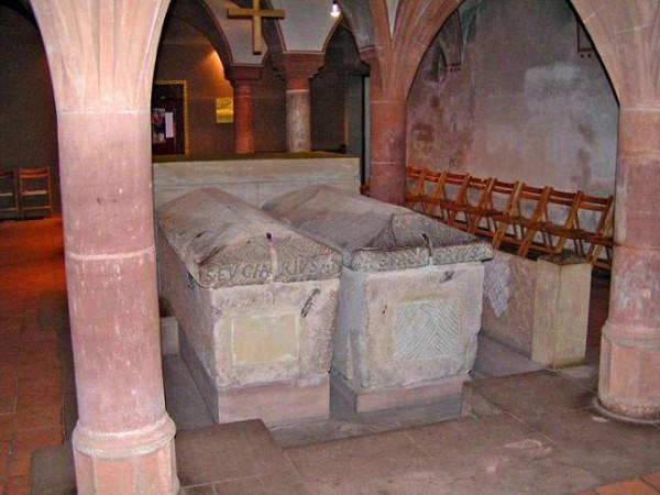 Гробницы свв. Евхария и Валерия Трирских