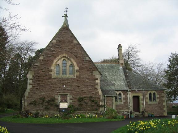 Современная церковь в Луссе (Luss)