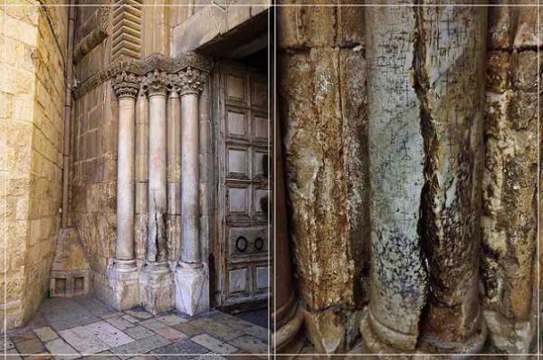 Треснувшая мраморная колонна слева от входа в Храм Воскресения в Иерусалиме (длина трещины 1,2 м)