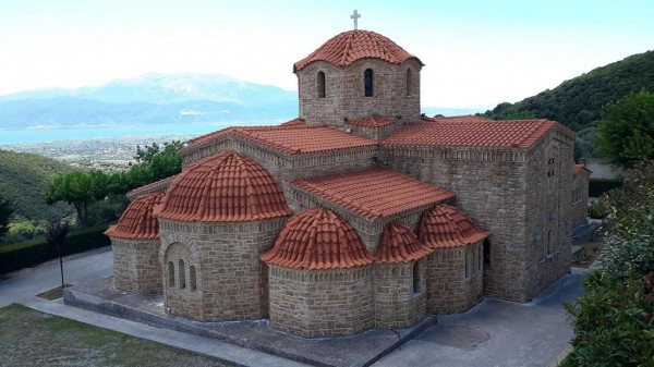 трикорфо фануария храм