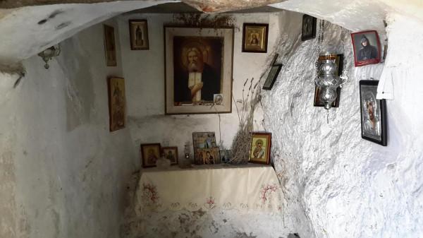 миртиотиссы пещерка серафим