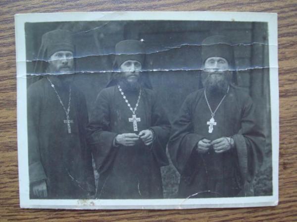Основатели братства иеромонахи Гурий (Егоров), Иннокентий (Тихонов), Лев (Егоров)