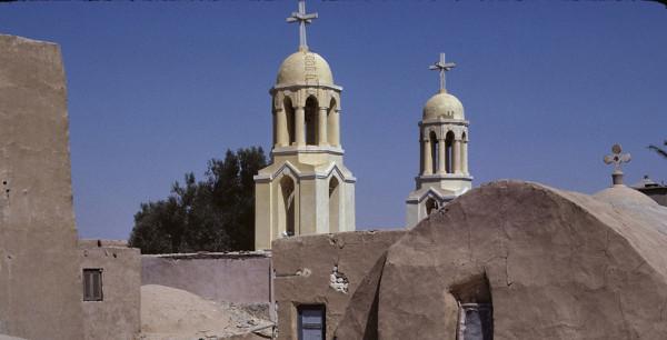 Монастырь Дейр эль-Барамус в долине Вади Натрун, Египет