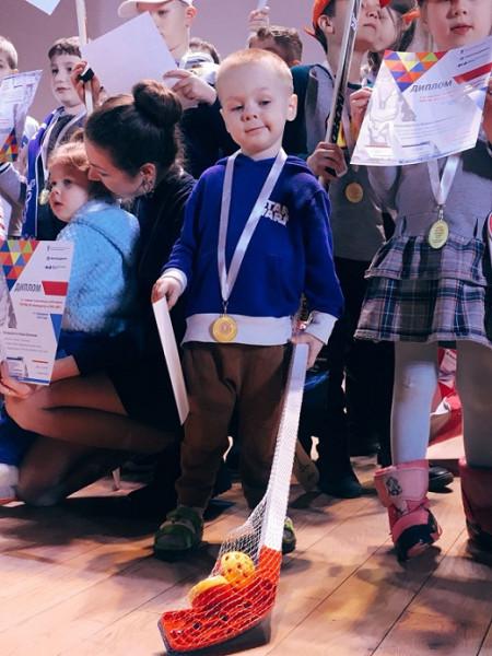 внук с медалями