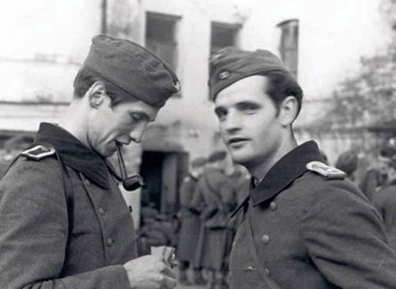 Организаторы Белой розы Александр Шморель и Ганс Шоль. Восточный фронт, осень 1942 года